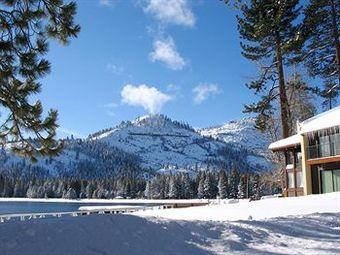 Hotel Donner Lake Village