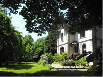 los 30 mejores hoteles en franco condado provincia. Black Bedroom Furniture Sets. Home Design Ideas