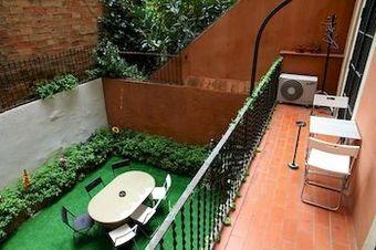 Hoteles cercanos a hospital clinic en barcelona - Casa barcelo hostel ...