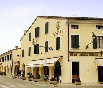 Los 2 mejores hoteles en san vito al tagliamento - Piscina san vito al tagliamento ...