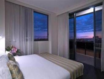 Hotel Meriton Serviced Apartments Parramatta