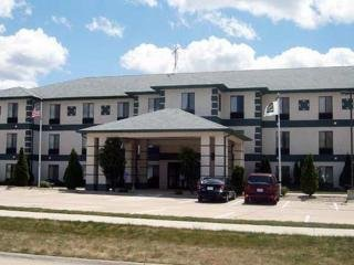 Hotel *collins Inn And Suites*