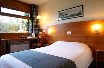 los 10 mejores hoteles de 2 estrellas en reims. Black Bedroom Furniture Sets. Home Design Ideas