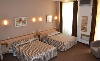 Los 5 mejores hoteles con accesos adaptados en salon de - Hotel d angleterre salon de provence ...