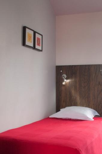 los 8 mejores hoteles que aceptan mascotas en levallois perret. Black Bedroom Furniture Sets. Home Design Ideas
