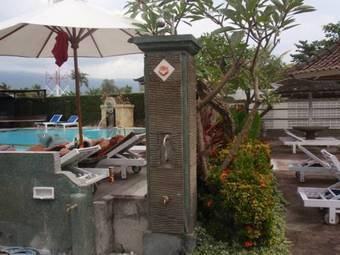 Los 30 mejores hoteles con parking en lovina for Casa jardin jalan damai