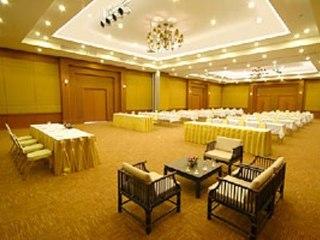 Hotel Palm Galleria Resort