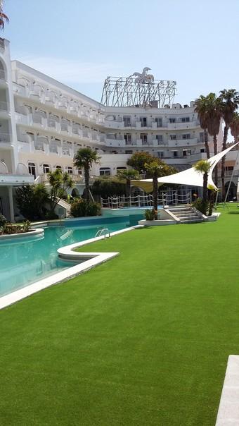 Los 30 mejores hoteles con piscina en lloret de mar for Hoteles en lloret de mar con piscina climatizada