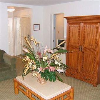 Hotel Castaways Resort And Suites
