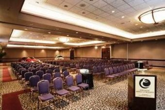 Executive Airport Plaza Hotel & Conference
