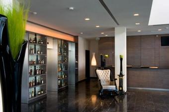 Hotel Arcotel John F